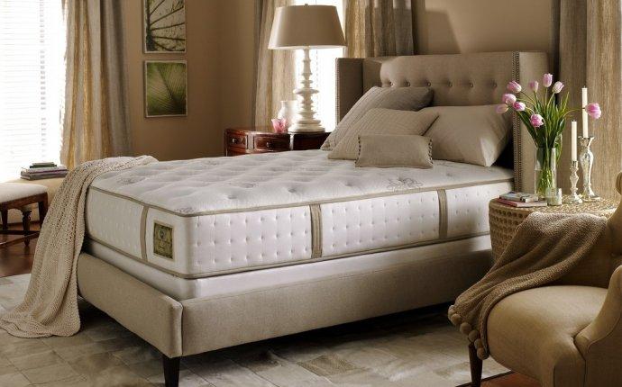 Как выбрать матрас для кровати. Видео с советами